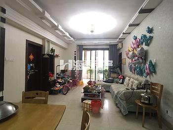 火车站.禾祥东. 04年小区.电梯大3房.  厅带大阳台中庭