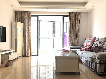 新上 新装三房厅带阳台 南北通透 好房子配佳人罗宾森广场一期