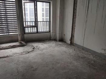 送一层 封闭式小区 楼中楼  正规4房 小高层