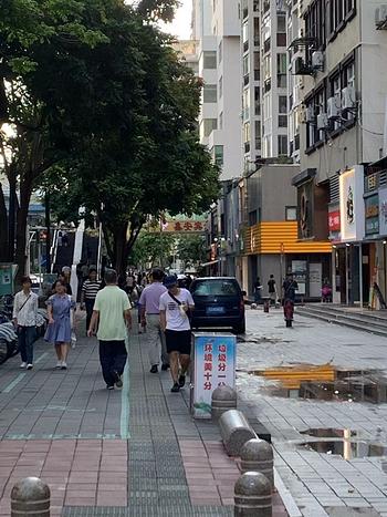 金榜 BRT口 人流如水 业主招租 适合轻餐饮 饮品