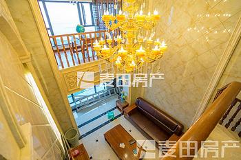 超高层看全湖海景,带私人使用露台,跃三层楼中楼,禹洲尊海