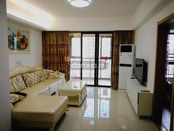黎安小镇,精装两房 家具家电高配 看房随时,户型正,价格低!