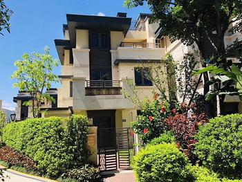 马銮湾【海投第一湾】现房联排别墅,5层,前后花园|使用600多平,