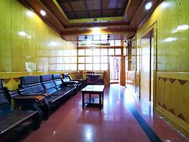 火车站地铁站 南北通透(梧村宿舍)简单装修 房东急置换 诚意